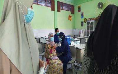 Vaksinasi Tahap II  SMAN 2 Malang